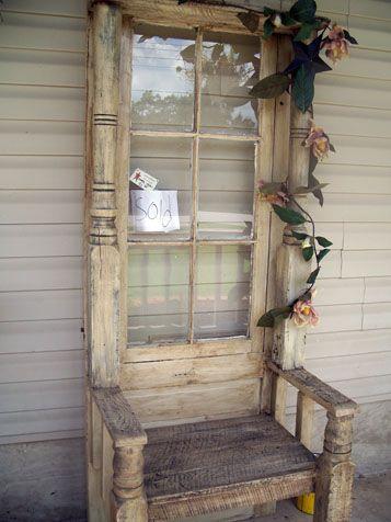 cadeira feita portas velhas