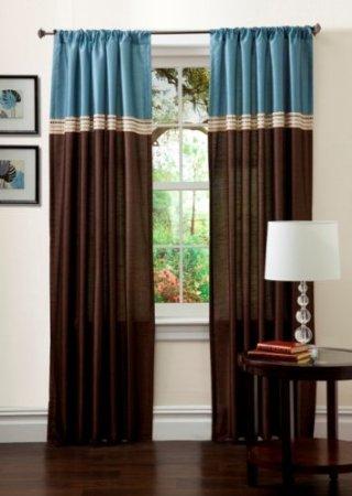 cortinas castanhas e azuis