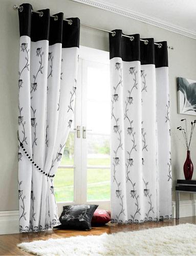 cortinas pretas e brancas