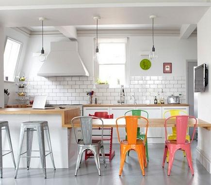cadeiras-coloridas-varias-tonalidades