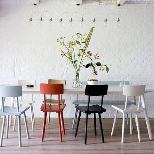 cadeiras-com-várias-cores