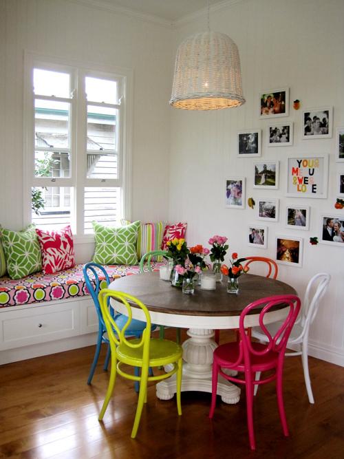 fotos de cadeiras coloridas