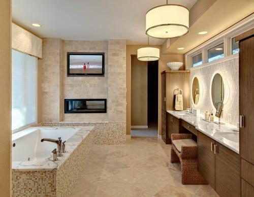 banheiros com pastilhas na parede
