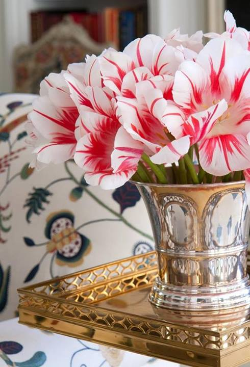 fotos de decoração com flores vermelhas