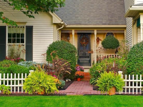 Entradas de casas com jardins
