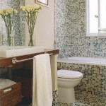 Banheiros pequenos com pastilhas