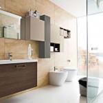 Banheiros simples e modernos