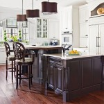 cozinhas rústicas com móveis e cadeiras