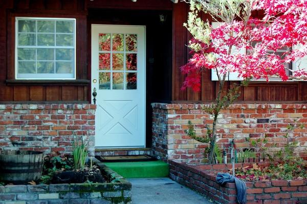 Fachadas de casas pequenas com flores