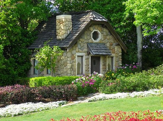 Fachadas de casas pequenas e lindas
