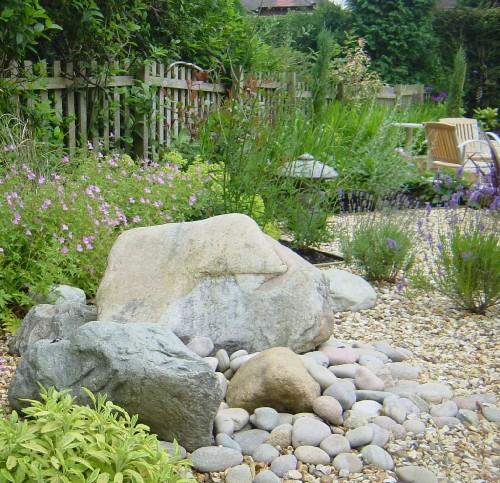 decorar jardim com seixos