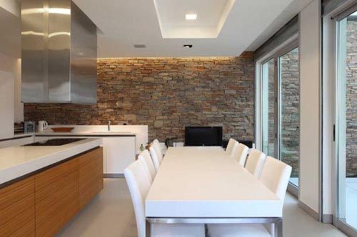 salas decoradas com pedras naturais